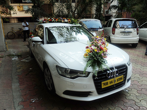 Rambhai Safawala Wedding Services - Audi car decoration